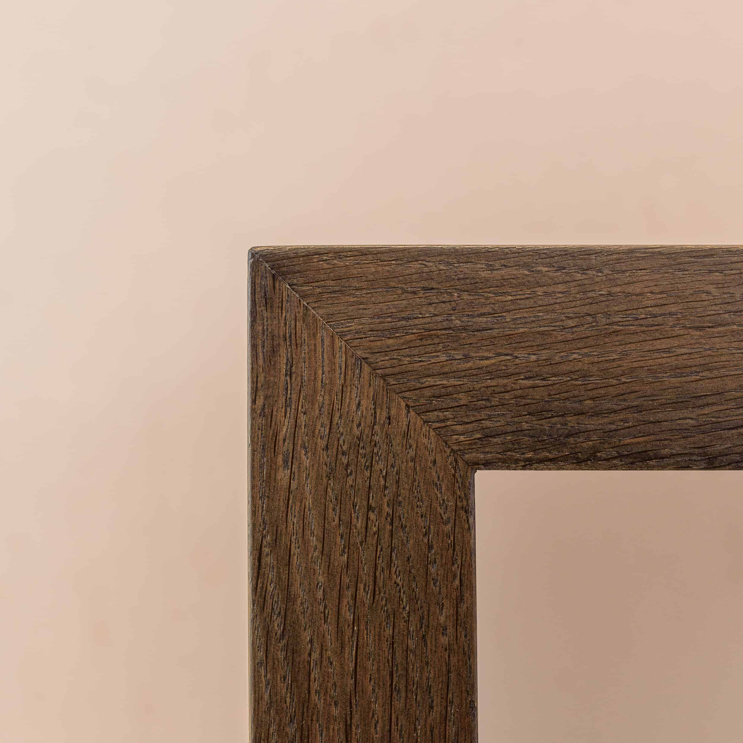 Elegante und schlichte Sitzbank für einen Flur und Garderobe