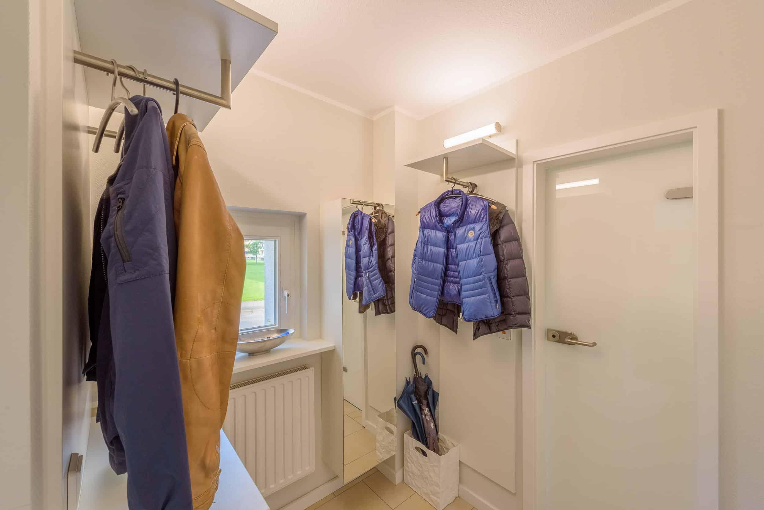 Maßgefertigte Garderobe - Einbaugarderobe